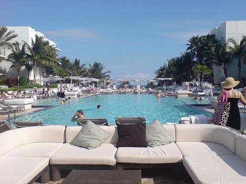бассейн в отеле Ритц Карлтон, Майами ,Сайф Бич