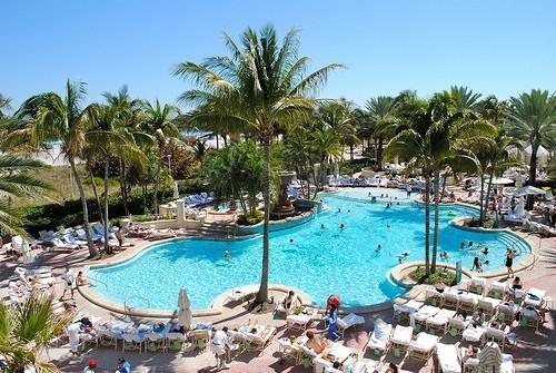 бассейн Лоевс гостиница в Майами Бич