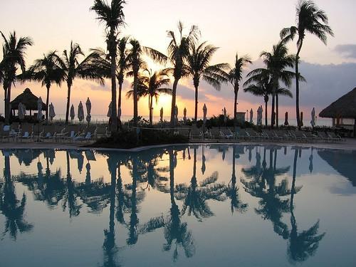 бассейн в отеле Ритц Карлтон Ки Бискейн Майами5