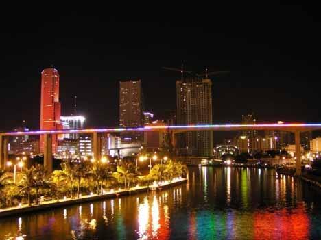 Фото ночного Майами