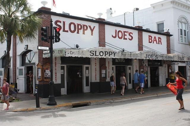 Знаменитый кабачок «Sloppy Joes»